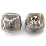 Beads pearlized Porcelani, Kub, i praruar, ngjyrë kafe, 13-14x13-14mm, : 2.5mm, 100PC/Qese,  Qese