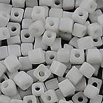Glass Beads Japanese Seed, Seed Glass Beads, Kub, asnjë, ngjyra të forta, e bardhë, 3mm, : 1mm, 7500PC/Qese,  Qese