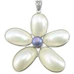 Pendants Natyrore White Shell, with Pearl kulturuar ujërave të ëmbla & Tunxh, Lule, ngjyrë platin praruar, asnjë, asnjë, 49x54x8mm, : 4.5x8mm, 5PC/Shumë,  Shumë