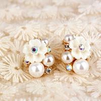 Zinklegierung Ohrstecker, mit ABS-Kunststoff-Perlen & Harz, Edelstahl Stecker, Blume, goldfarben plattiert, mit Strass, frei von Nickel, Blei & Kadmium, 18x23mm, verkauft von Paar