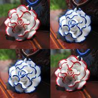 Porzellan-Anhänger, Porzellan, Blume, glaciert, keine, 15-30mm, Bohrung:ca. 1-3mm, verkauft von PC