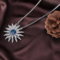 Zinklegierung Pullover Halskette, mit Eisenkette & Kristall, Blume, Platinfarbe platiniert, Schlangekette & für Frau & facettierte & mit Strass, frei von Blei & Kadmium, 780mm, verkauft per ca. 30.5 ZollInch Strang